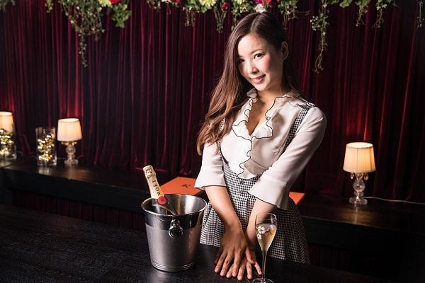 GIRLS BAR ROYS MEGURO(ガールズバー ロイズ 目黒店)キャストの写真