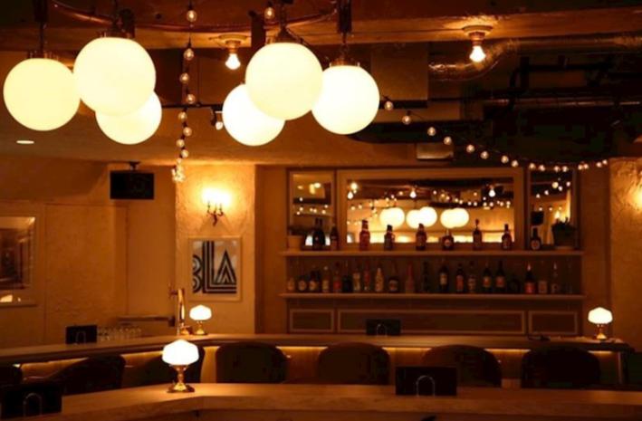 津田沼CAFE&BAR LADIES&GENTLEMEN(レディースアンドジェントルメン)店内の写真