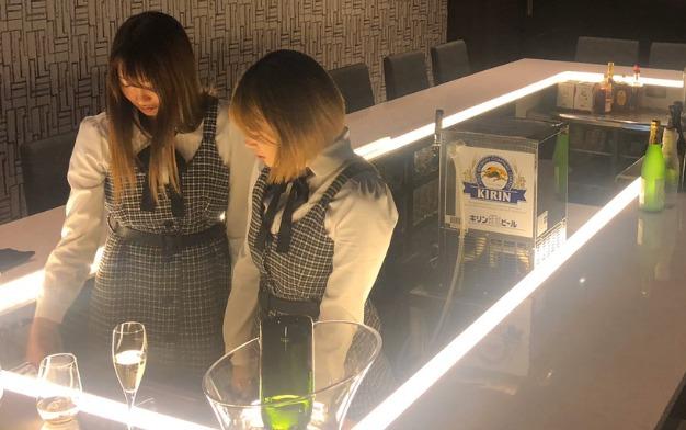 赤坂EBI EBI GIRLS BAR(エビエビガールズバー)女の子の写真